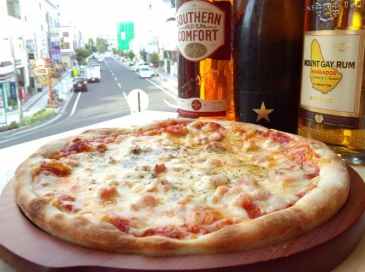 たっぷりチーズとべーコンのpizza オニオンスパイスの香り