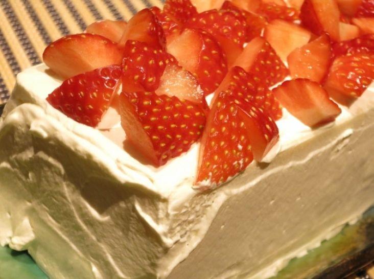 ストロベリーライスケーキ