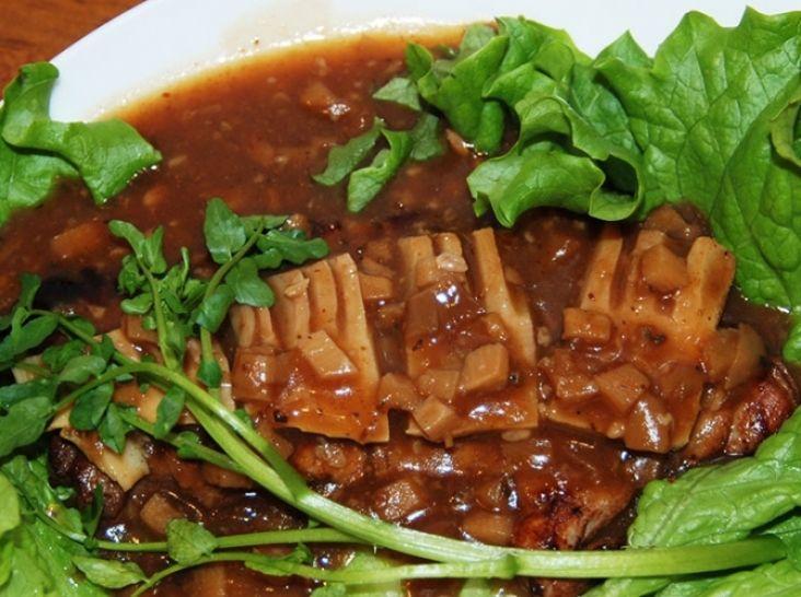 筍デミ味噌ソースのポークステーキ