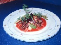 タコと春野菜のクイックスモークサラダ