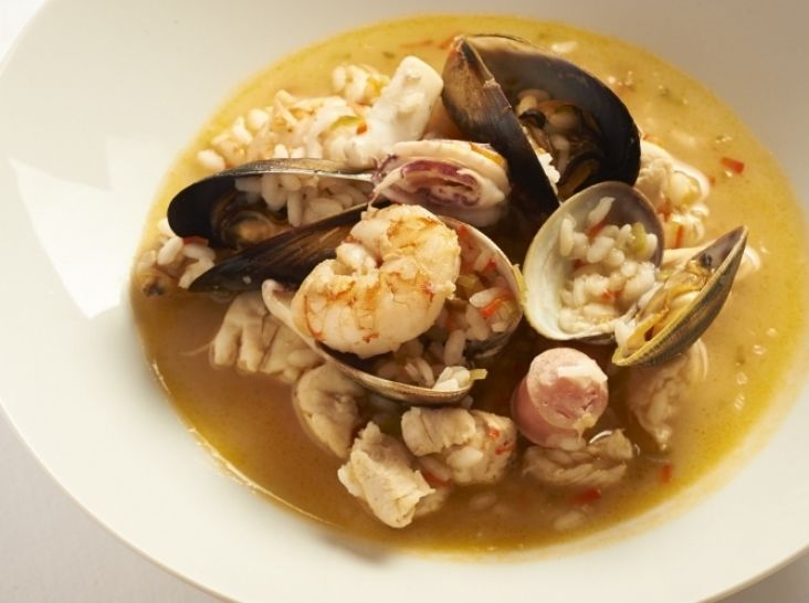 海と山の幸のお米料理(アロス・カルドソ)