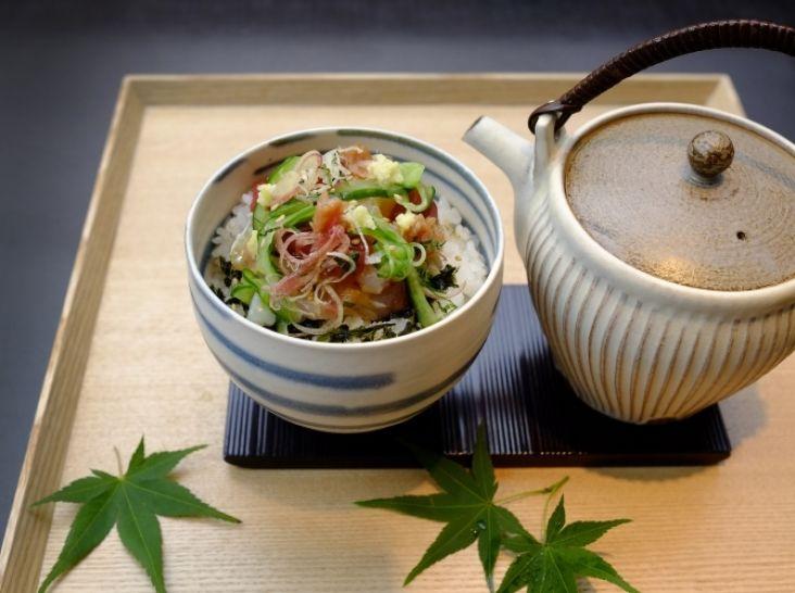 海の幸・山の恵の丼物二種 「海鮮お茶漬け丼」
