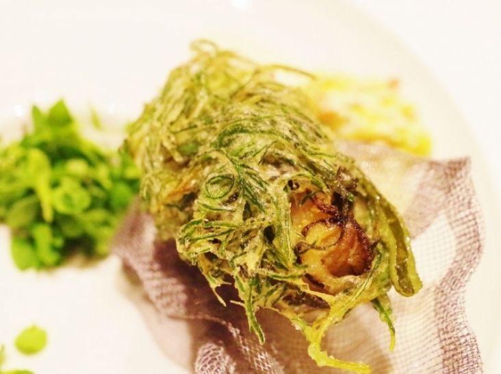 茎わかめと牡蠣のかきあげ~ラヴィゴットソース添え~