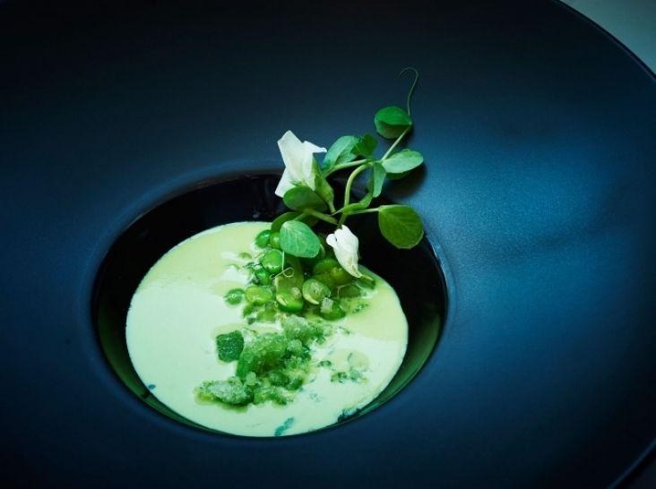 グリーンピースとミントの冷製スープ
