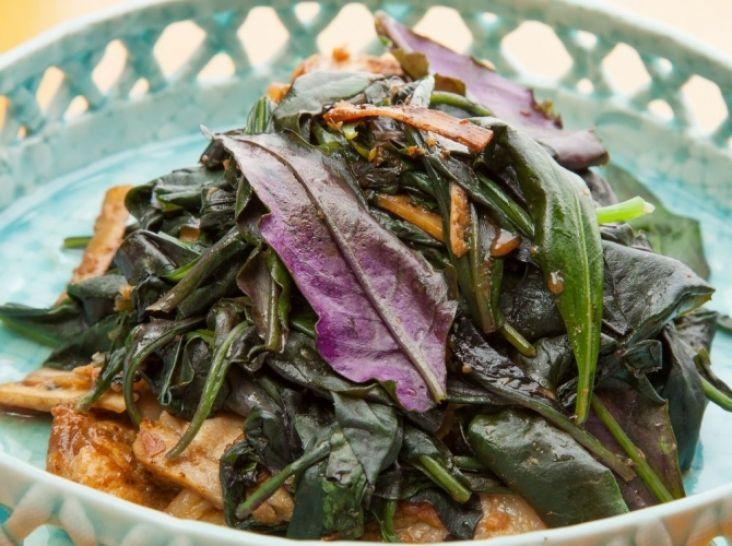 ハンダマと豚肉の梅干し炒め