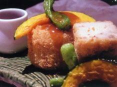 生湯葉とじゃこ山椒の餡掛けコロッケ