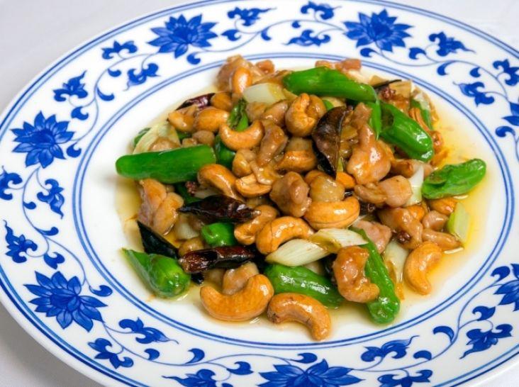 鶏とカシューナッツのピリ辛炒め