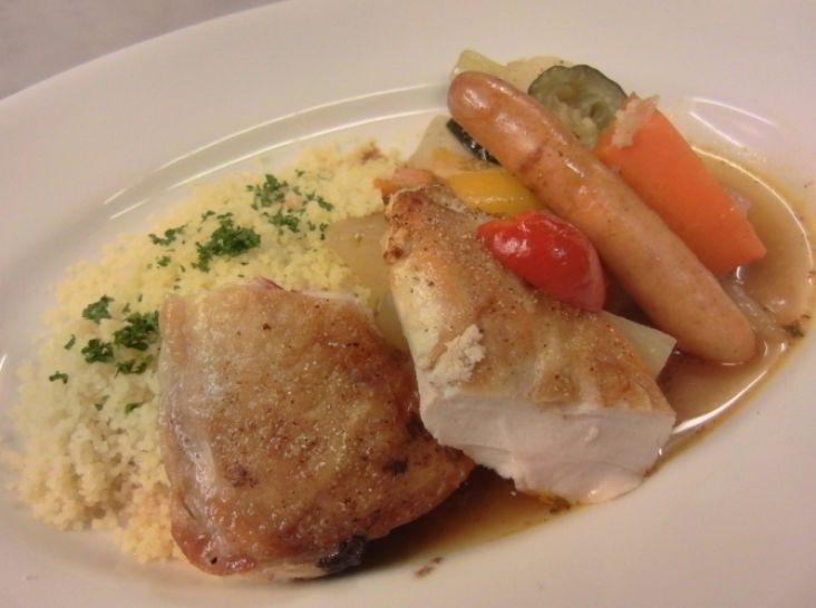 野菜たっぷり鶏肉とチョリソのクスクス
