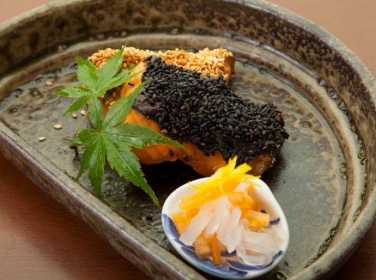鮭のごま味噌焼き