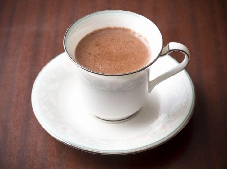 チョコレートレシピ: ショコラショー(ホットチョコレート) 氏家 健治シェフの