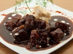 仙台牛の贅沢 赤ワイン煮