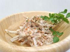 コリッコリッのゴボウと鰹節のサラダ