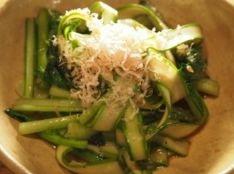 アスパラと小松菜の炒め物