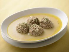 ユワレラキア (ミートボールのレモンソース煮)