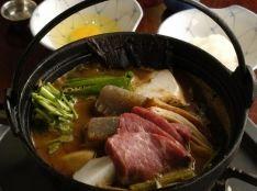牛肉の蕗味噌土手焼鍋