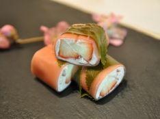 苺とクリームチーズの桜餅風生春巻!