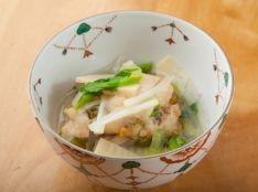 里芋で揚げた鰆の野菜あんかけ