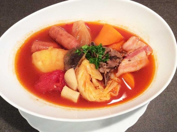 能登豚「豚輝」ベーコン&ウィンナーのトマトポトフ