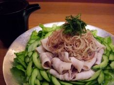 豚トン(トントン)ゴマポンサラダ