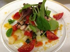 タコとお野菜の温かいサラダ バジル風味