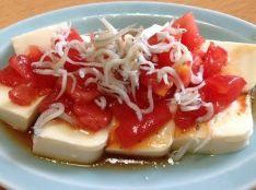 トマトとシラスの冷奴。