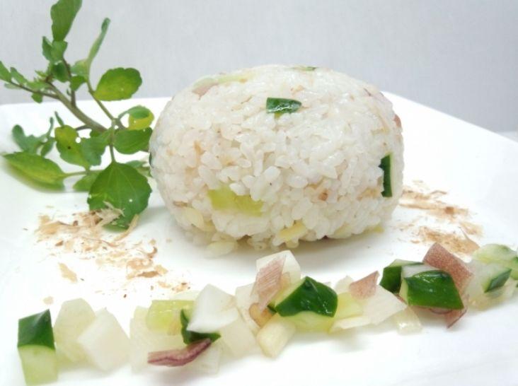 清涼菜飯 お米のサラダ仕立てのおにぎり
