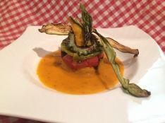 夏野菜のフライドタワー トマトとバジルのソースと共に