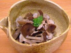 ハタケシメジの煮びだし (シメジでもOK!)