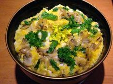 菜の花とあさりの卵とじ丼