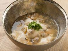 あさりとおぼろ豆腐の吉野煮