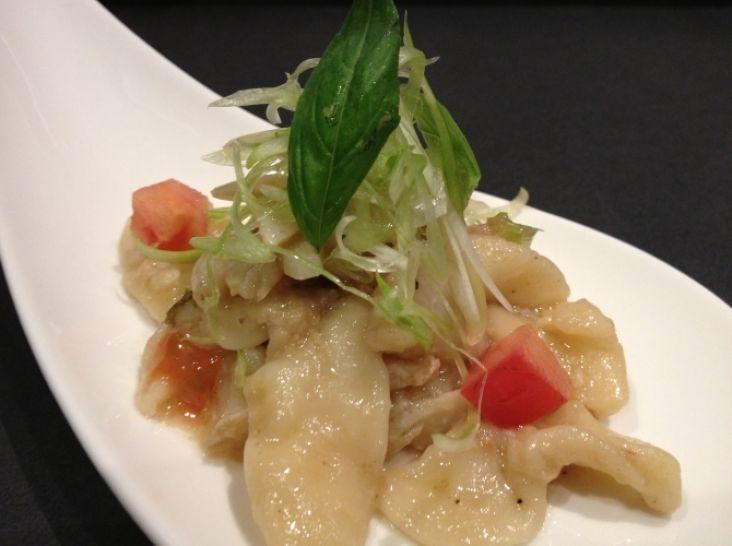 簡単手打ちパスタ  魚のカマと野菜の茎のペペロンチーノ