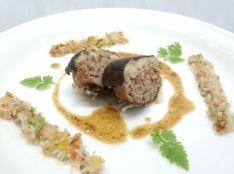 岩手豚肉詰めの久慈椎茸 鰹節香る大根サラダと共に。