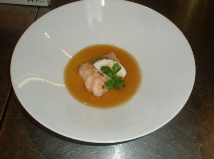 鯛と海老の生春巻き ~丸鶏ガラスープとカブの茶碗蒸し仕立て~