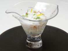 帆立貝と野菜のだしゼリー和え オリーブの香り