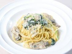 牡蠣と小松菜のクリームスパゲッティ