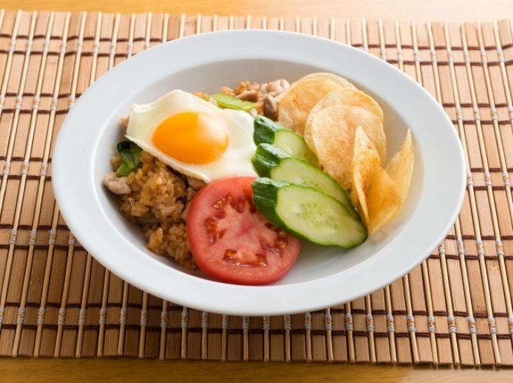 ご家庭にある調味料で☆インドネシア風炒めご飯・ナシゴレン☆