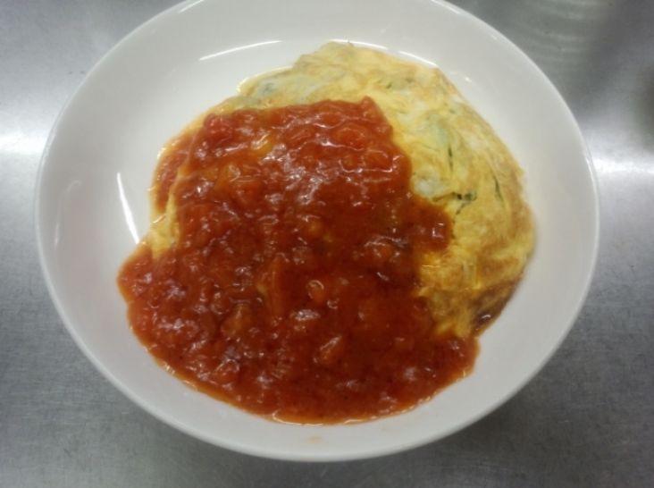 野菜オムレツ トマトソース