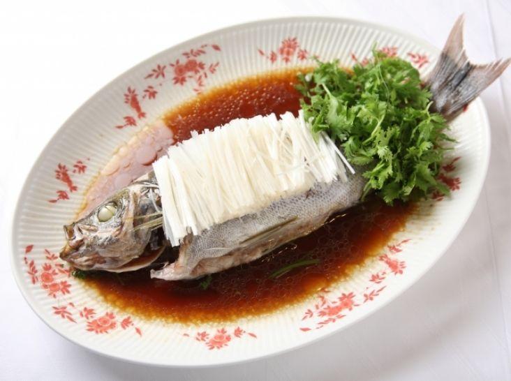 白身魚の姿蒸し