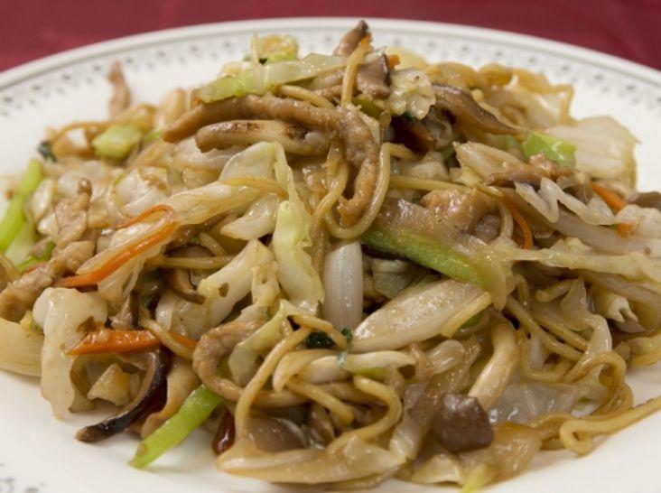 丸鶏がらスープを使った上海風焼きそば