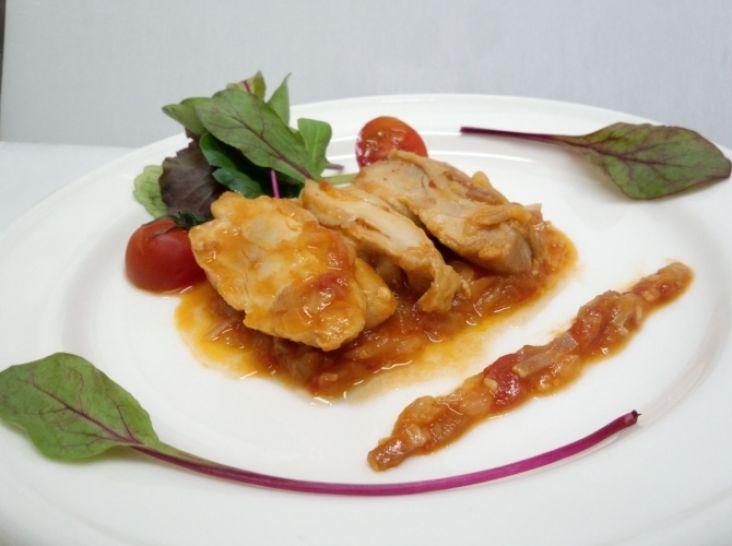 スペイン風若鶏のトマトソース煮 シャンファイナ