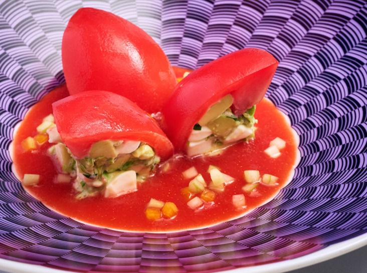 トマトとトマトソースのサラダ アボカド・モッツアレラ入り