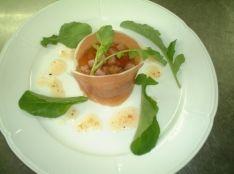 生ハムを纏った野菜とハムのゼリー寄せ
