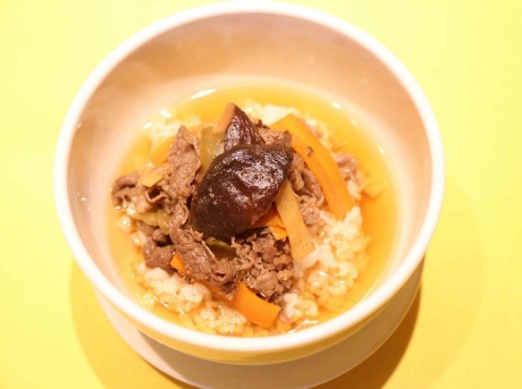牛肉・干し椎茸と鮮度の一滴のウーロン茶漬け