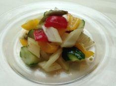 塩漬け山椒で味わう彩り野菜のピクルス
