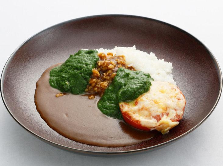 小松菜風味カレー トマトグラタン添え