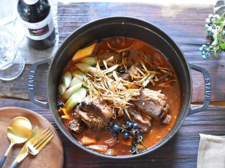 山梨・明野産猪肉のフレンチボタン鍋