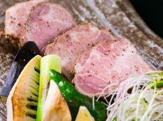 猪肉の塊焼き「肩ロース肉」柚子胡椒を添えて