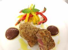 豚肉のクミン風味パン粉焼き 赤ワインとマスタードソース