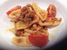 手打ちパスタ カバァテッリのトマト風味ソース