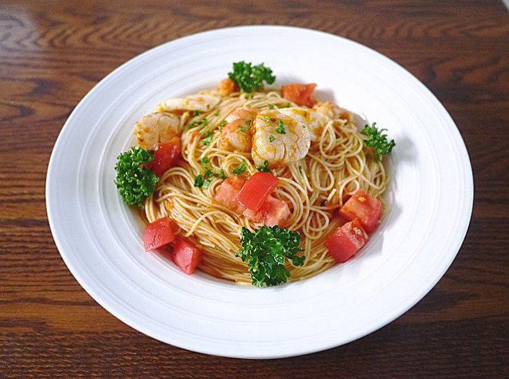 海の幸のトマトの冷製パスタ(カッペリーニ)